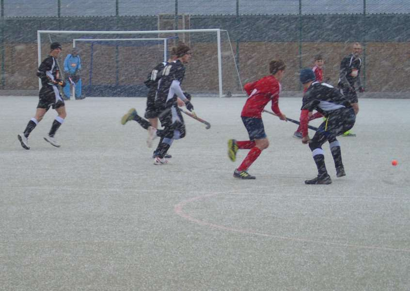 Leadenham Hockey Club 2nd battle out victory over City of Peterborough in the blizzard.