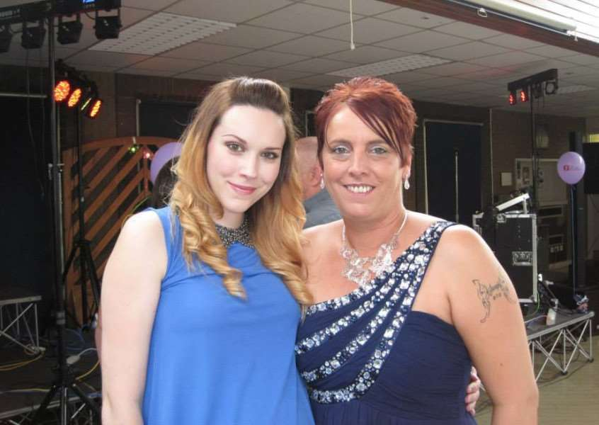 Ami with her mum Angie Virden at the event. EMN-150416-091806001