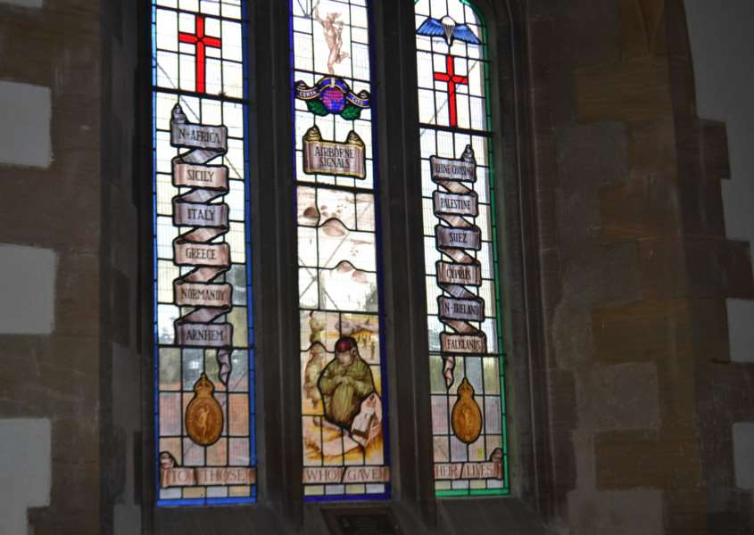 The stained glass window dedicated to the 1st Airborne Signals Regiment in Caythorpe. EMN-160709-165045001