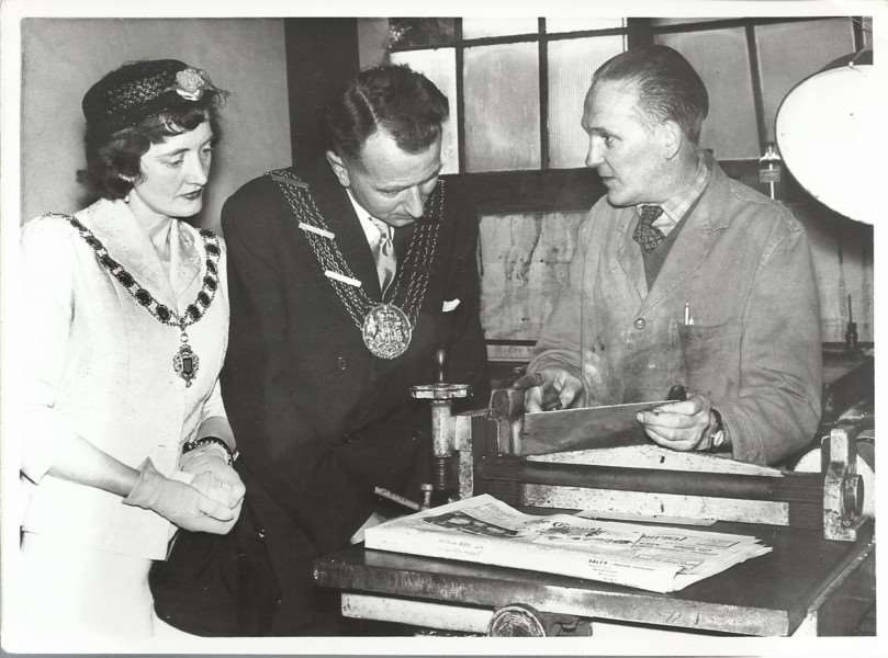 Mayor of Grantham Fred Foster and his wife peggy in what could be the Grantham Journal print room.