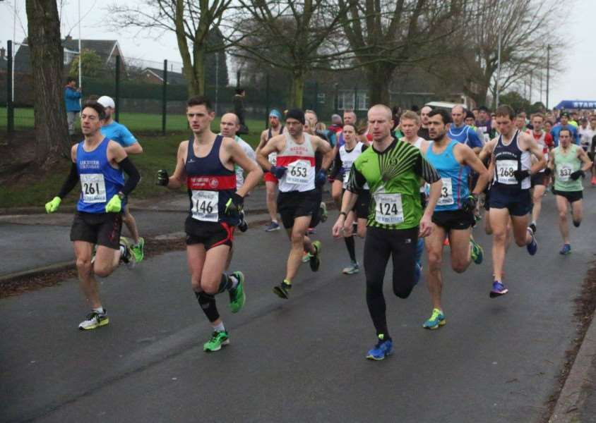 Gav Meadows (front, right) on his way to another half marathon personal best. rA79szgnub_oSjUdvL_Q