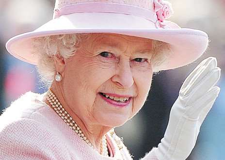 HM The Queen PNL-140616-093540001