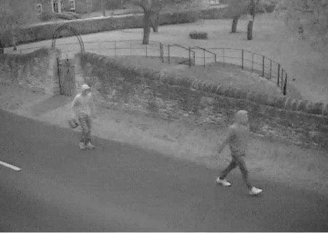Bourne and Billingborough neighbourhood policing team wants to trace these men. BuqkmSZ9pSqR4KRDhRyC