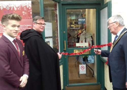 The Rector of St Wulfram's Church, Fr Stuart Cradduck, and the Mayor of Grantham, Coun Mike Cook, officially opened the King's School Toy Bank this year.