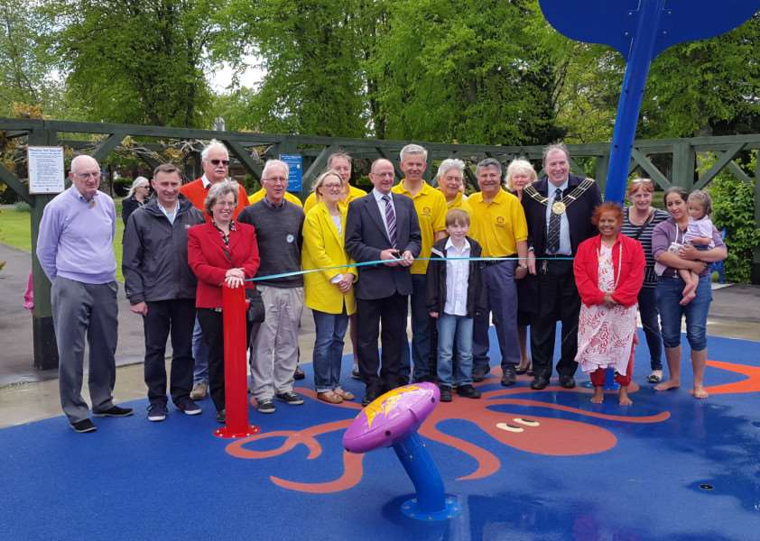Paddling pool in Wyndham Park, Grantham, is officially opened.