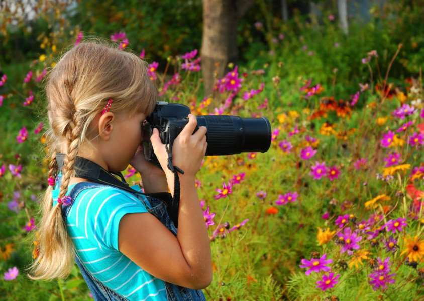 Children can win �1,000 for their school in the cartridgesave.co.uk photography competition.