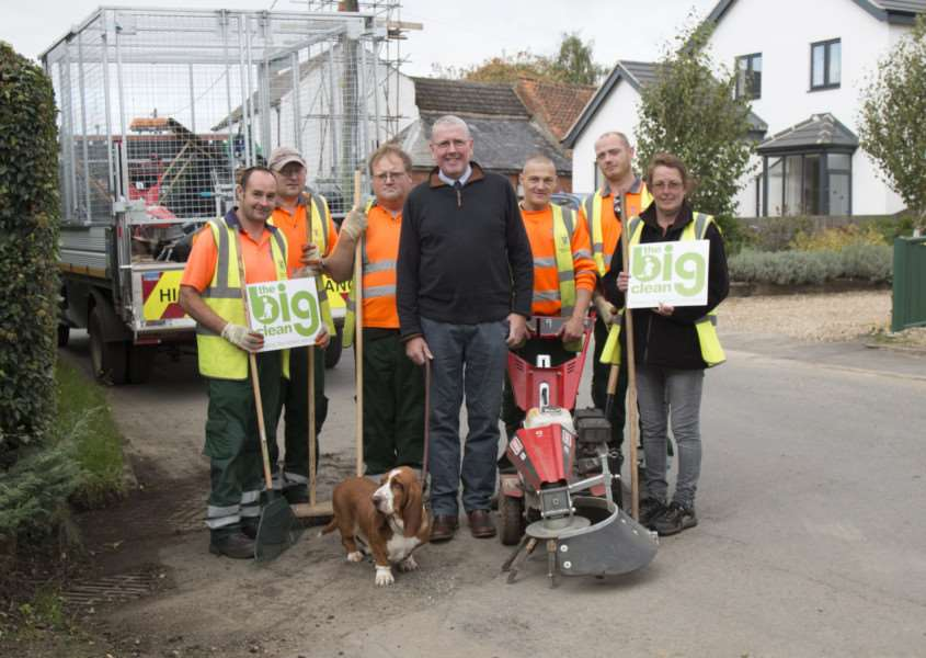 Councillor Dr Peter Moseley and the Big Clean team in Rippingale.