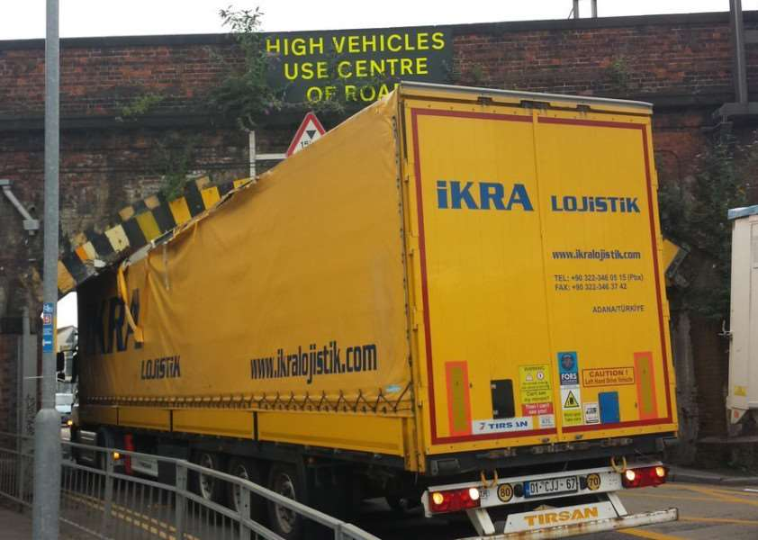 A lorry has hit the bridge on Harlaxton Road this afternoon.