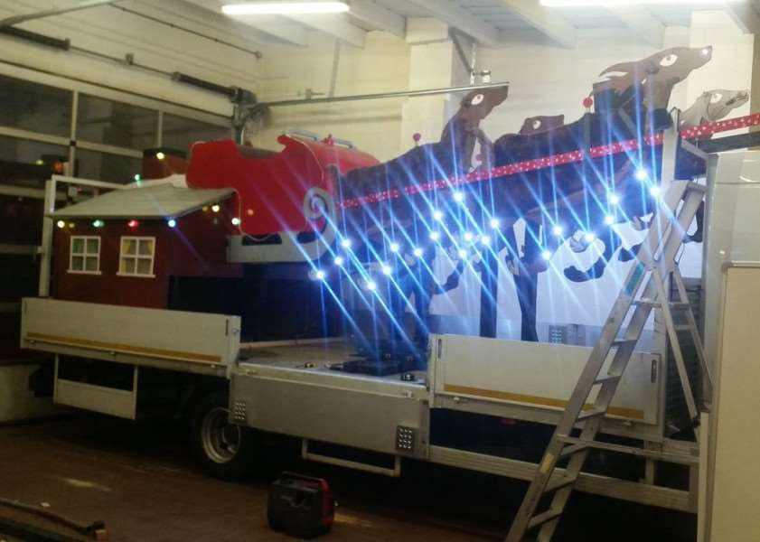 Firefighters have been helping to prepare Santa's sleigh ready for his tour of Grantham.