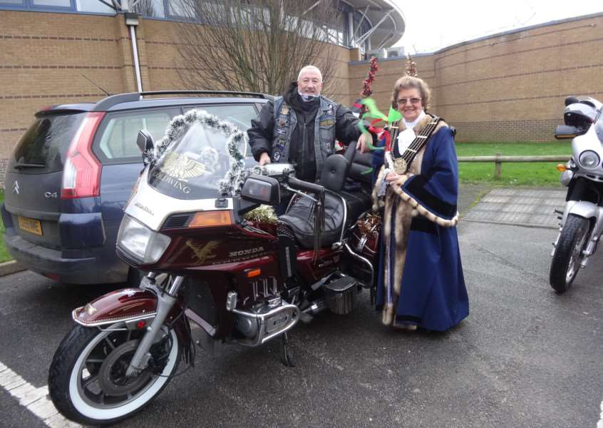 The Mayor of Grantham Coun Jacky Smith meets the bikers at The Meres.