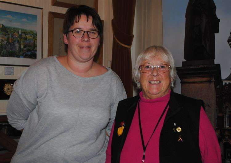 Mayor of Grantham Coun Lynda Coutts, right, with her deputy Coun Nikki Manterfield. (6752555)