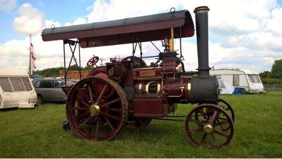 This steam traction engine will lead the parade. (2572721)