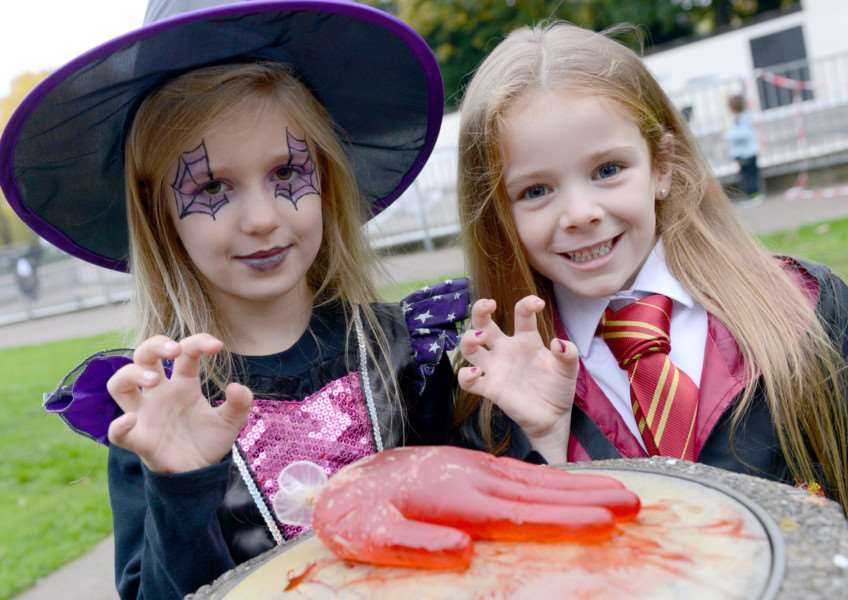 Halloween at Wyndham Park. Pictured are: Freya Curtis and Iris Kent-Simpson