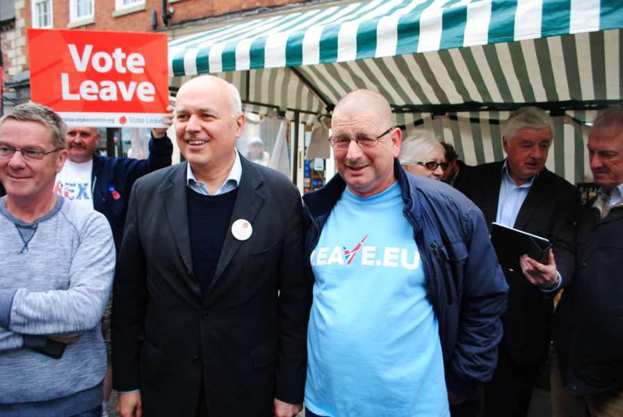 Iain Duncan Smith meets a fan in Grantham market.