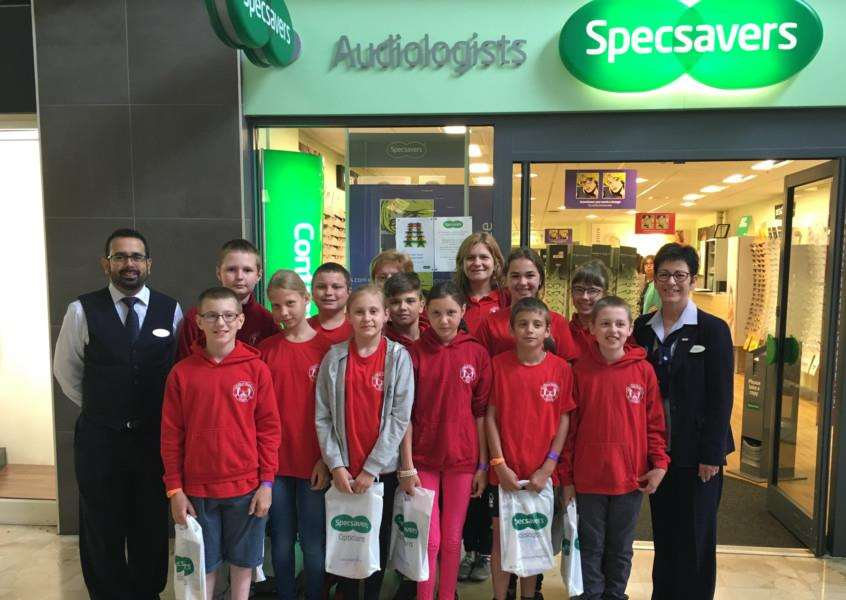 SpecSavers in Granthamn welcomes children from Belarus which is still affected by the Chernobyl disaster.