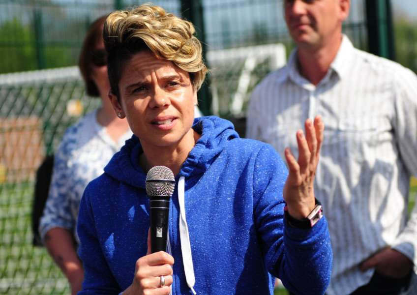 England International Footballer Sue Smith opens the new pitch at Charles Read Academy EMN-150423-101306001