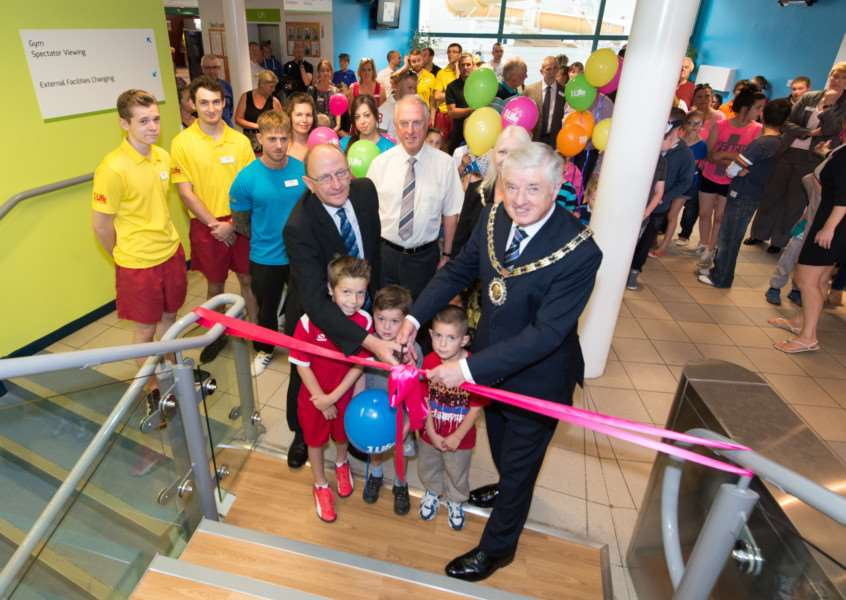 Official opening of the renovated Grantham Meres Leisure Centre. Copyright: Brian Hallam. Disc File 42150801