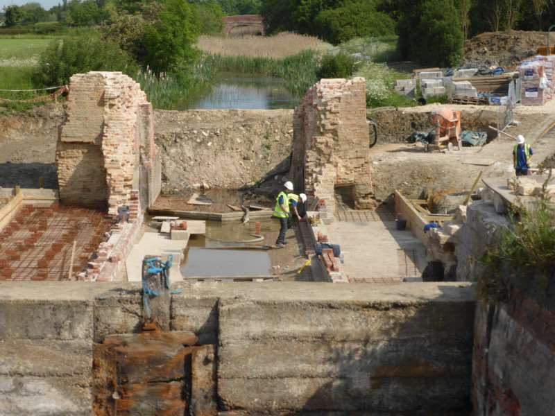 Early rebuilding of lock 15