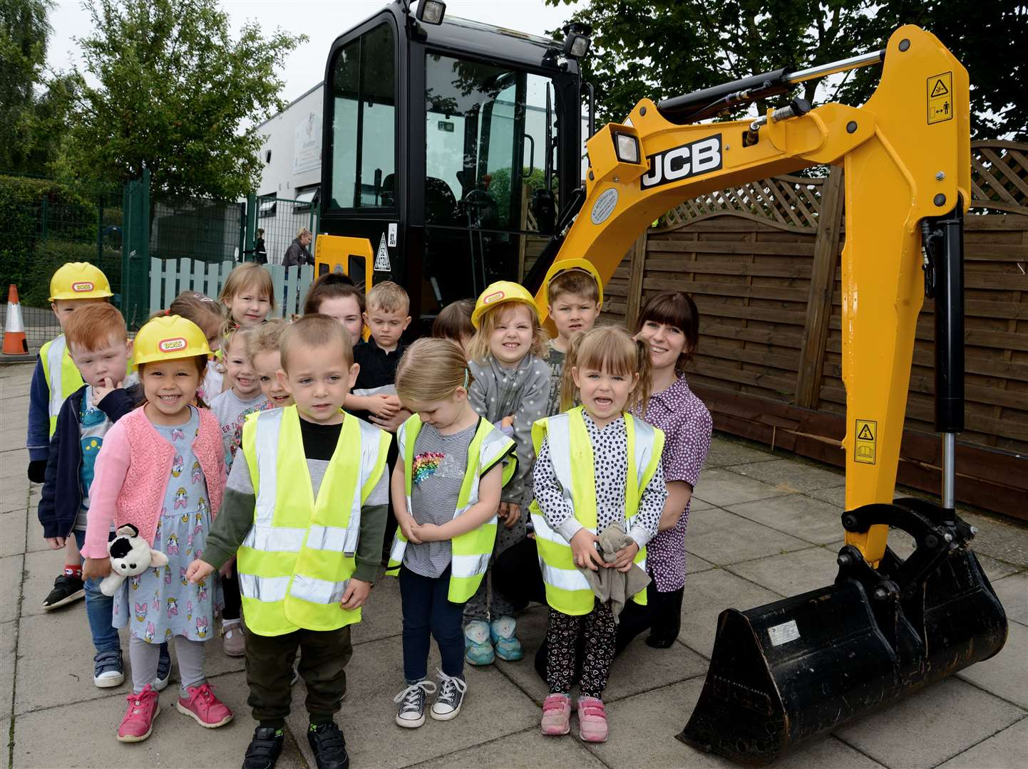 Youngsters at Children First in Grantham got a visit from a HGV on Monday. (12903748)