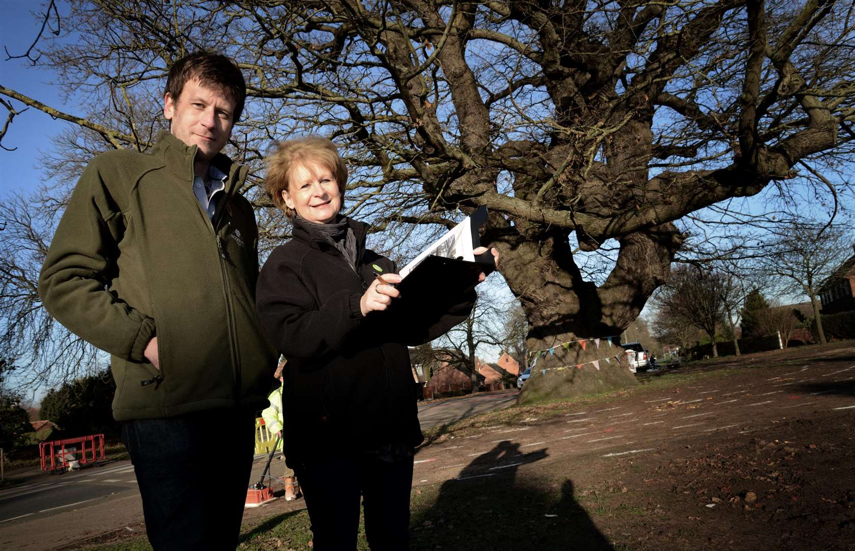 Joseph Coles and Denise Tegerdine, of the Woodland Trust, by the iconic oak in Belton Lane, Grantham. (5985639)