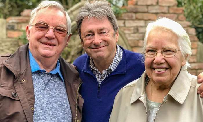 Alan Titchmarsh with Margaret and Rob Isdale. (16038874)
