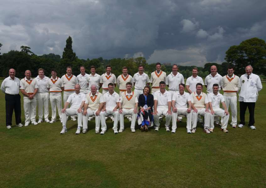 The two teams with the Duchess of Rutland.