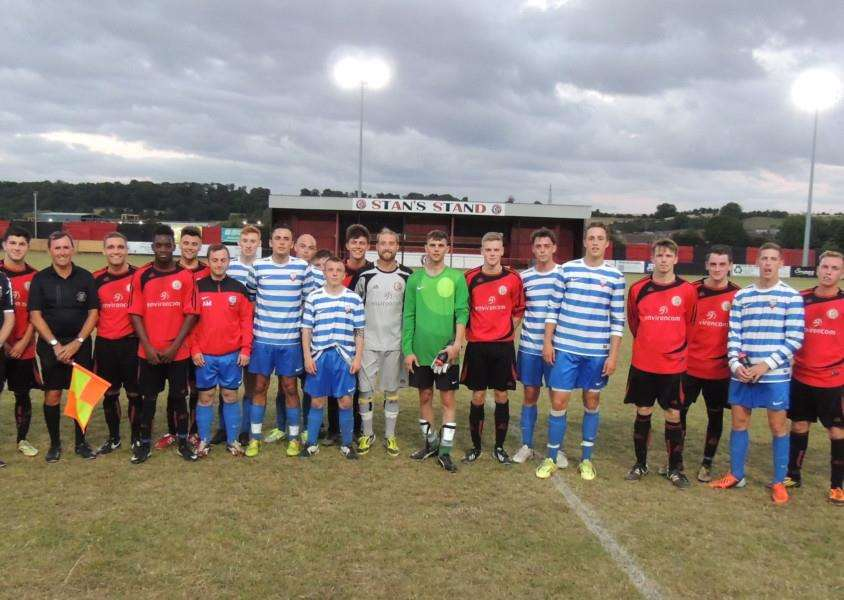 Harrowby United and the 7th Regiment RLC after the game.