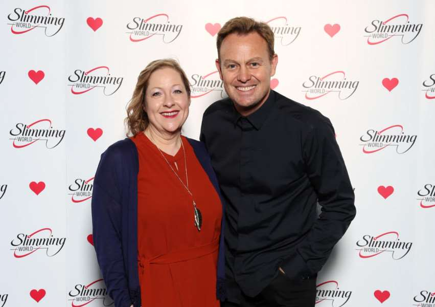 Slimming World Consultant Joolie Cunningham meets former soap star and singer Jason Donovan.