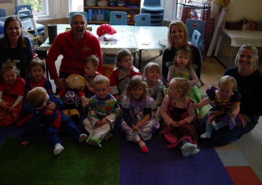 Jinglethon club leader Andreas Alkiviades with children from Albion House Day nursery.