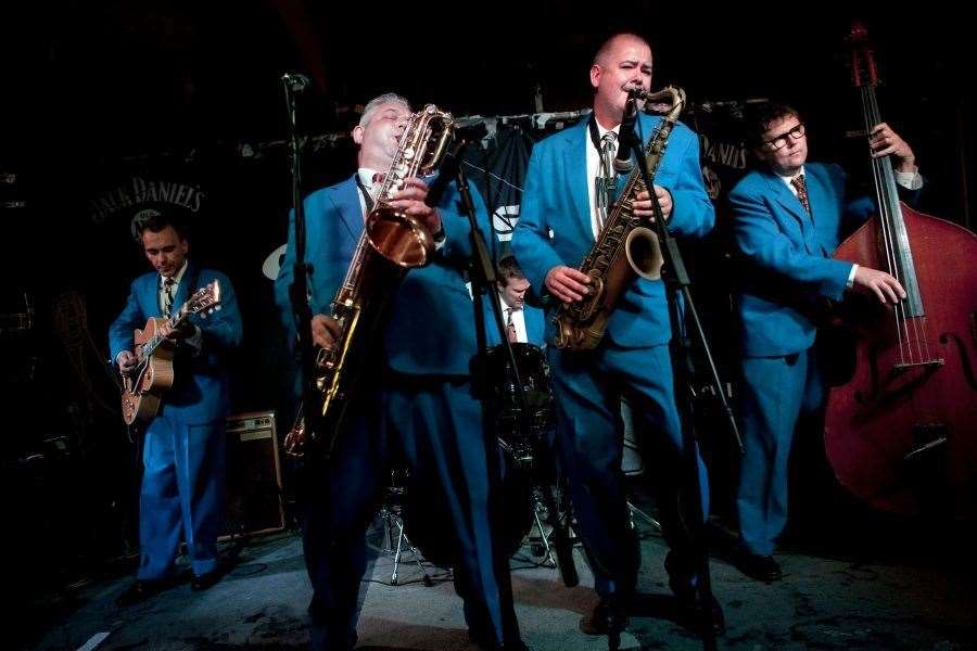 King Pleasure and The Biscuit Boys (12882125)