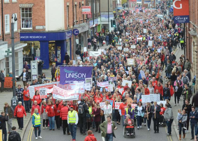 Protest march through Grantham to highlight the closure of the A and E Department at Grantham Hospital EMN-161029-181506009