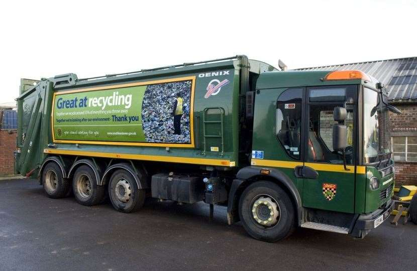 SKDC is maintaining refuse collections throughout the district. (33041736)