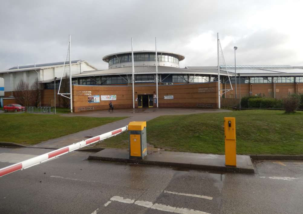 The Meres Leisure Centre, Grantham