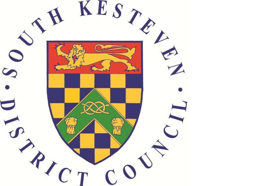Council tax bills for 2015-16 are like to be frozen by South Kesteven District Council.