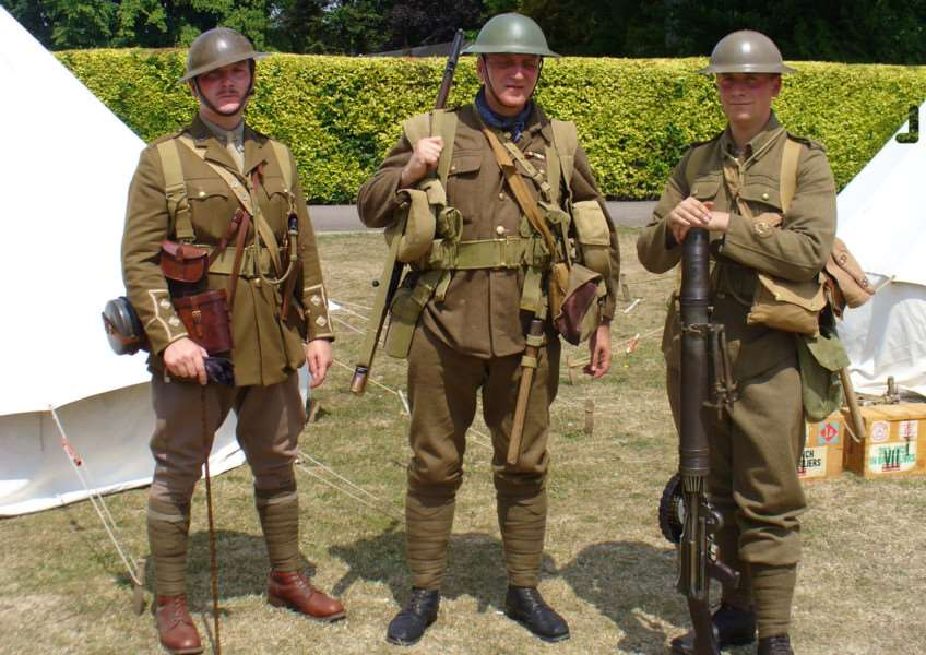 Living History and commemoration of World War One at Wyndham Park event EMN-161105-144400001